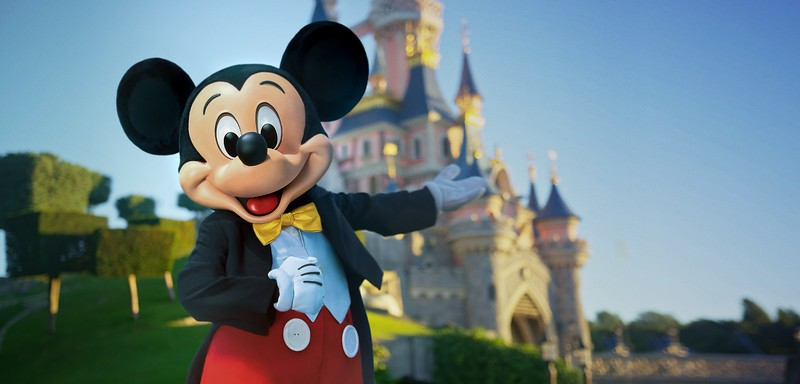 Mickey-and-Castle-DLP