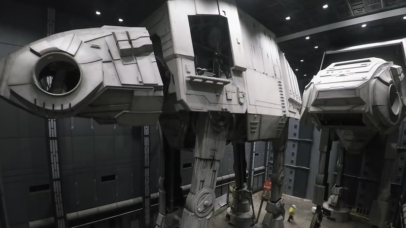 star wars galaxys edge construction (22)