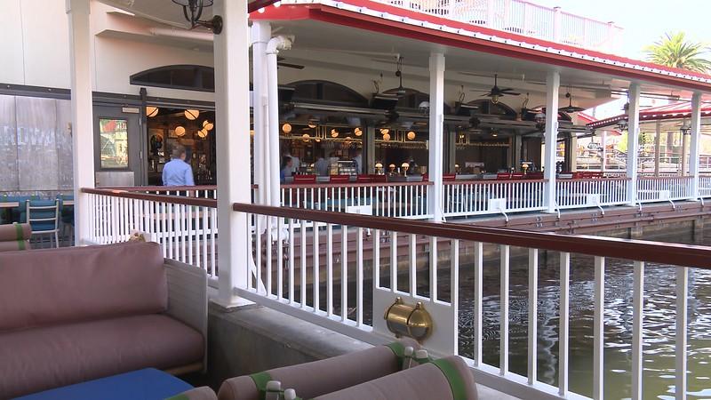 lamplight lounge pixar pier official (10)