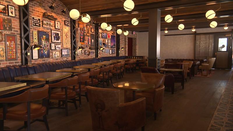 lamplight lounge pixar pier official (14)
