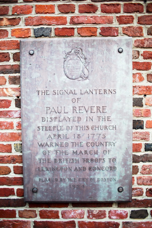 Paul Revere marker at the Old North Church in Boston, showing brick detail. Photo by Victor Grigas, copyright 2013, used under theCreative CommonsAttribution-Share Alike 3.0 Unportedlicense.