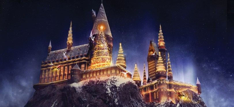 """Christmas in The Wizarding World of Harry Potter"" - Universal Studios Hollywood"