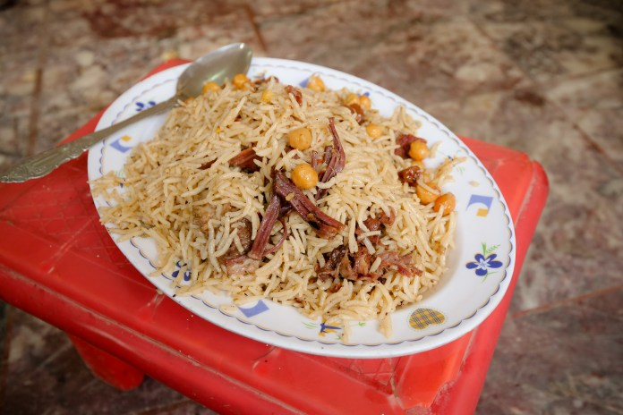 Kabuli Chawal is Rice Pulao top 5 foods - pakistan trip 243 X3 - Top 5 traditional  foods in Pakistan top 5 foods - pakistan trip 243 X3 - Top 5 traditional  foods in Pakistan
