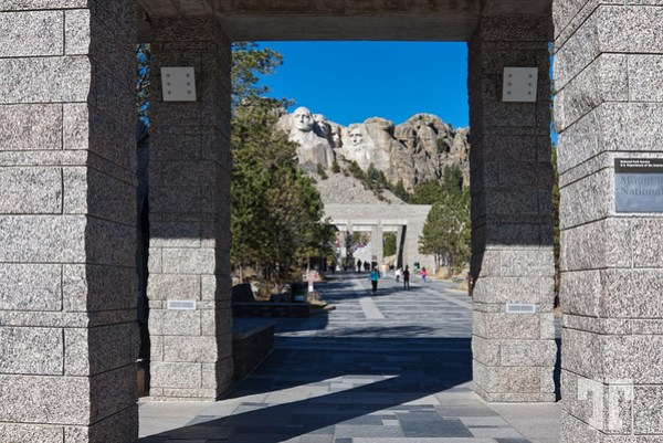 Entrance to Rushmore monument park