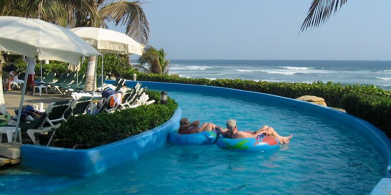 Grand Mayan hotel pool in Acapulco