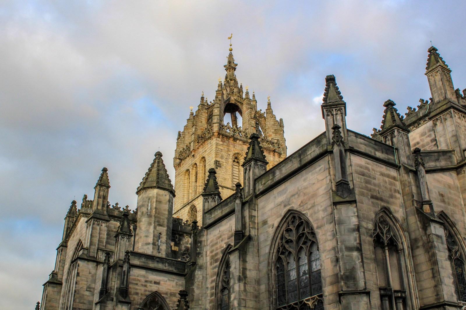 traveling to scotland tips: don't ignore edinburgh