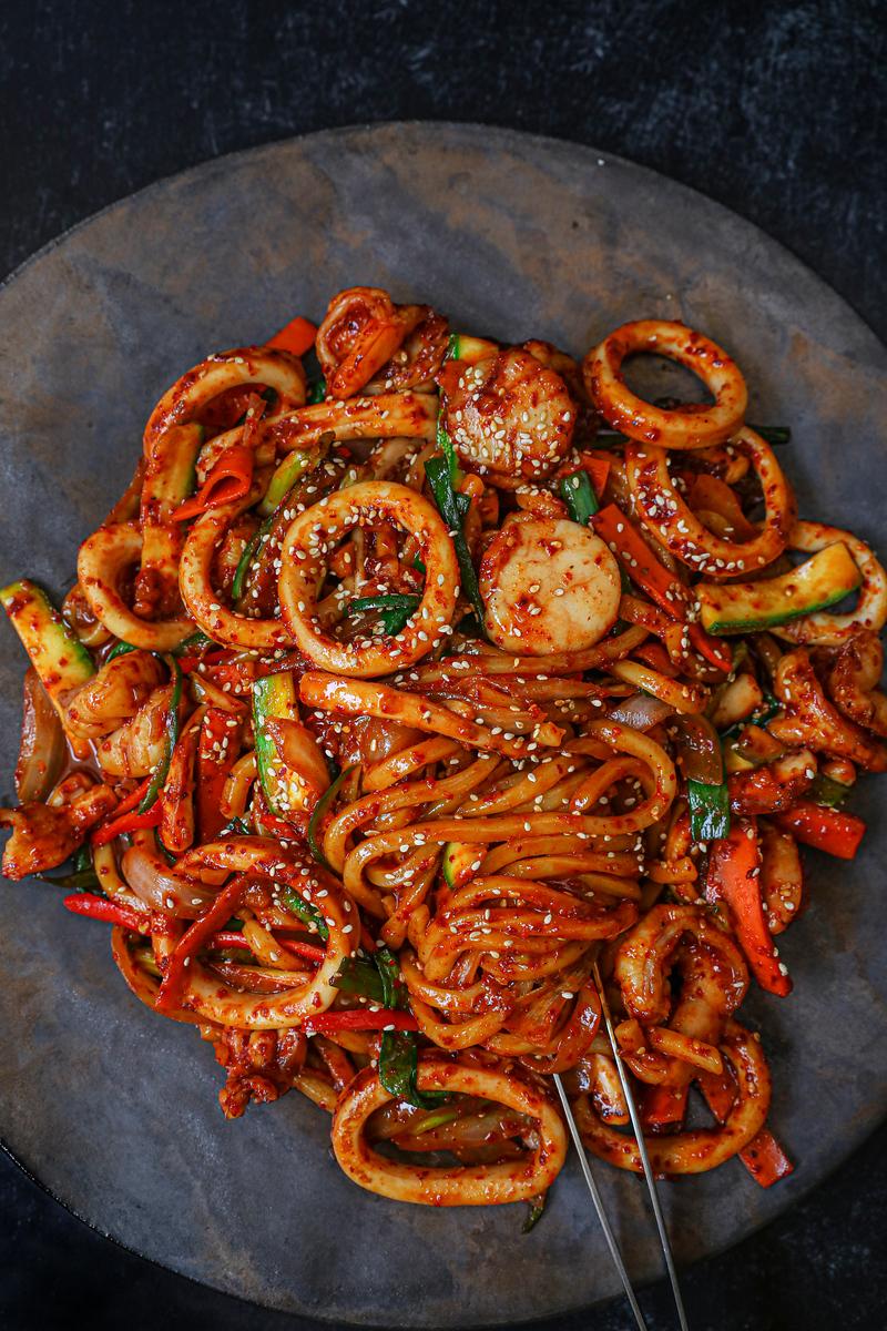 Korean Spicy Garlic Seafood Noodles Recipe