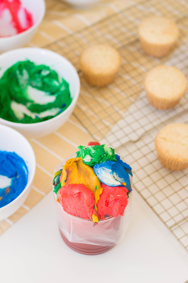 Make my St Patrick's Day 2020 Lucky Charm Cupcakes for all of your festivities this year! They're easy enough to make with kids, and festive for all events.