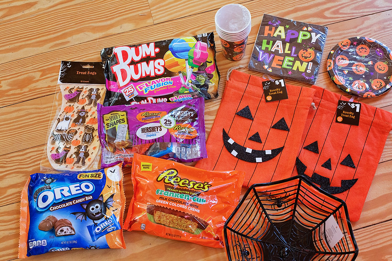 #sponsored Shopping time! @DollarGeneral has it all for Halloween Headquarters! See how we are celebrating #DollarGeneral #DollarGeneralFinds