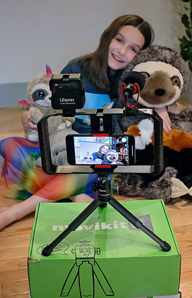 #ad You'll love this! Movikit provides you with all of the tools and guides to help make better home movies with your own smartphone cameras.