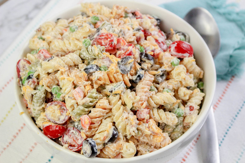 Bacon Ranch Pasta Salad is the perfect summer recipe. It's light and creamy, but is satisfying with the addition of bacon. Easy recipe here.