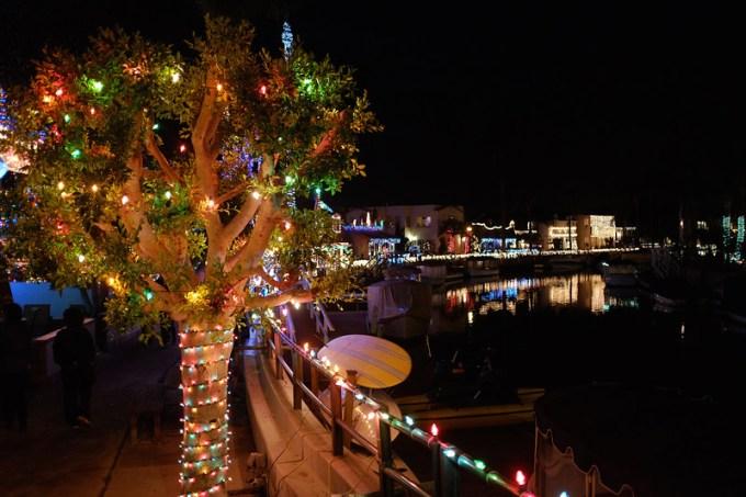 frank b baiamonte christmas lights naples island long beach