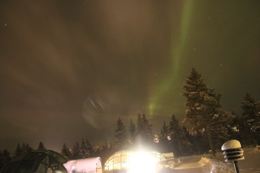 light pollution at aurora in kakslauttanen