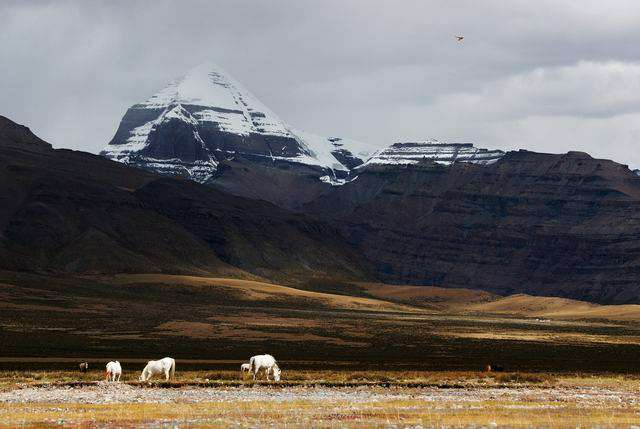 best treks in the world - mount kailash tibet