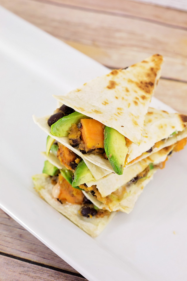 For healthy mom, healthy baby, #NatureMadePrenatalDHA is the way to go! This amazing avocado, black bean and sweet potato quesadilla #recipe is perfect! #ad