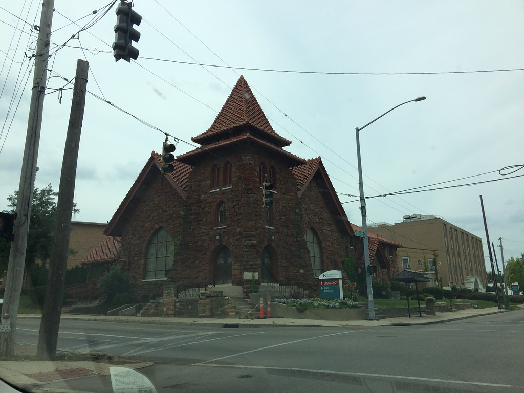 Presbyterian church, northwest corner of Forest and Grand avenues, Dayton, Ohio. Photo by the author, July 11, 2015.