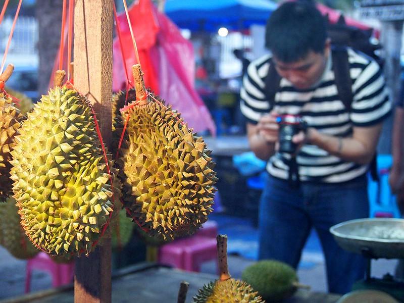 durian hunting with Huai Bin