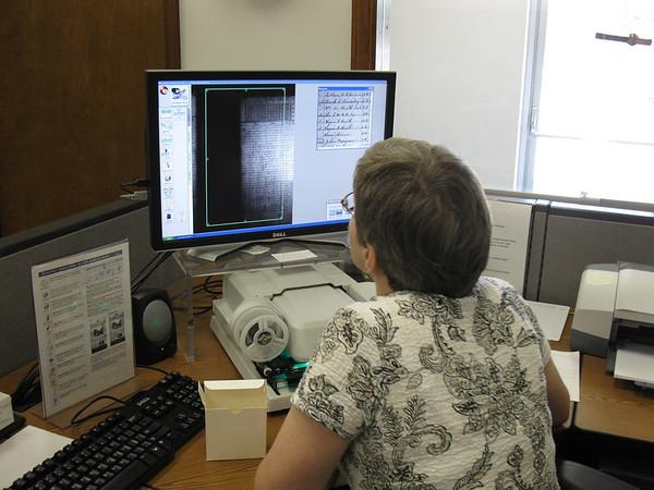 Joan Donovan demonstrating the ScanPro 1000
