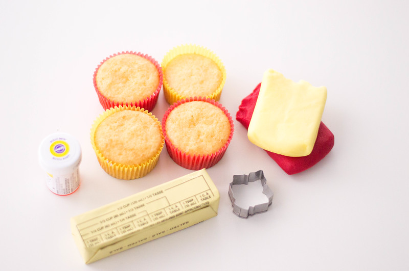 ingredients for vanilla cupcakes