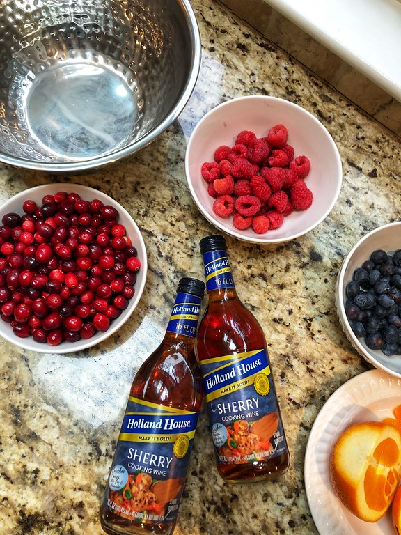 Holland House Cooking Wine is perfect to liven up of your holiday recipes. Here are three holiday recipes you can make with the 5 flavors AD @hollandhousecw