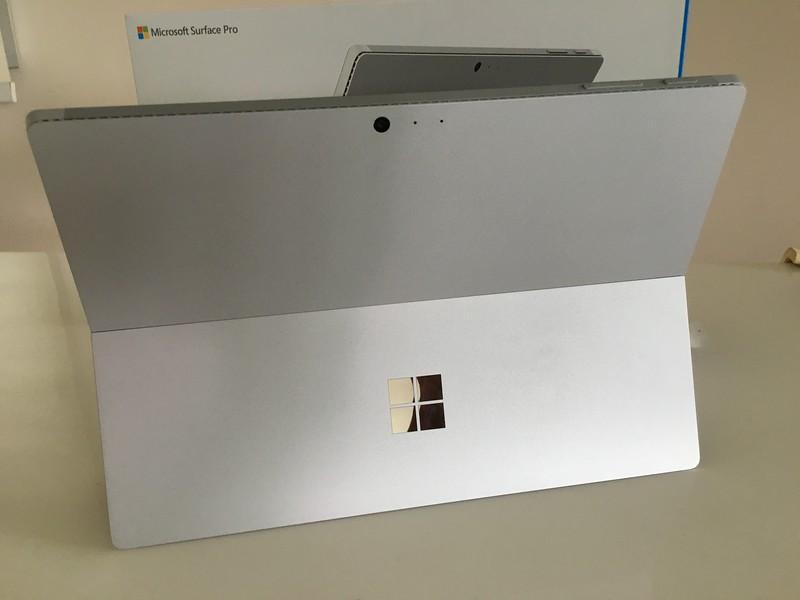 Microsoft Surface Pro 4 Standing