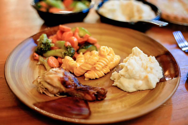 #ad Back to School Family Meals With Boston Market are the PERFECT way to reconnect as a family after a day of work and school. DELICIOUS. #BTSBostonMarket family dinner ideas