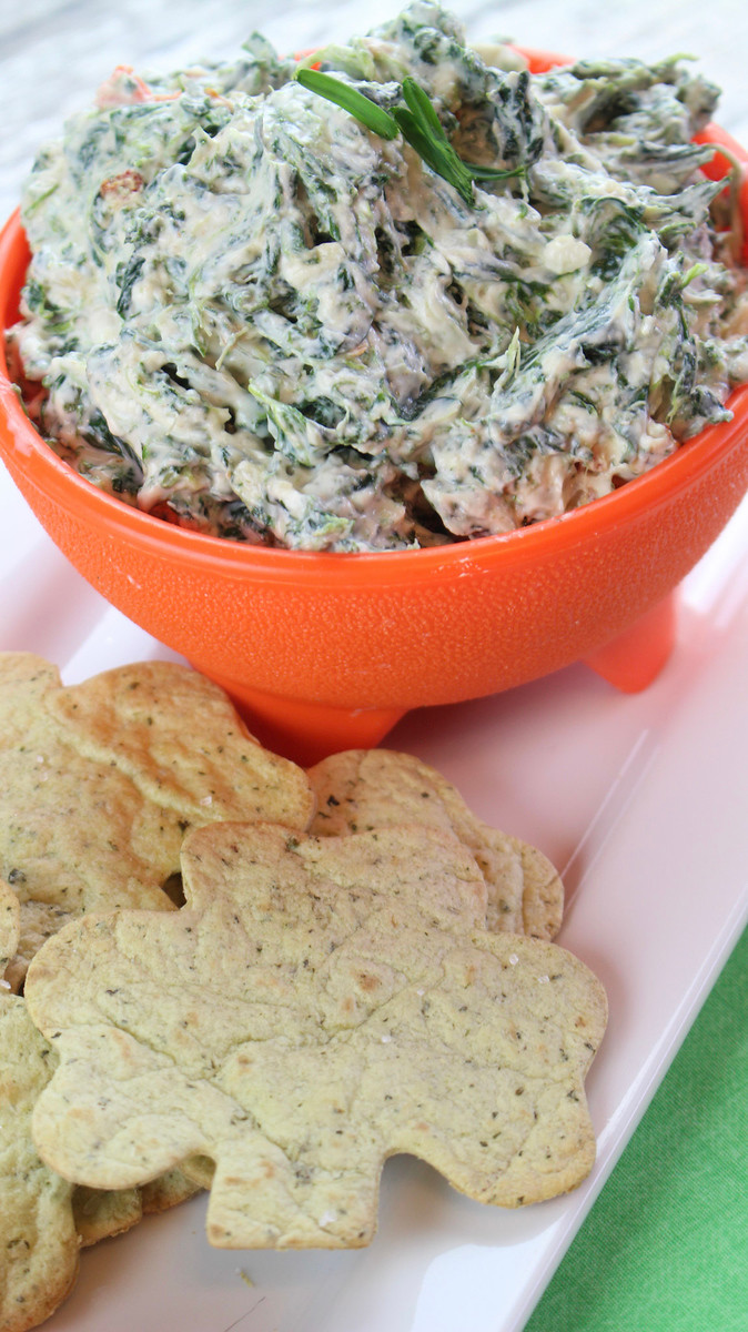 Are you ready for #StPatricksDay? This #recipe for Skinny Spinach Dip with Baked Shamrock Chips will be the hit of the season, and is one of my favorites.