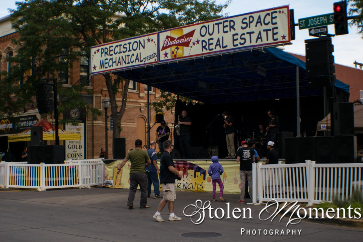 Outer Space Real Estate (2016)