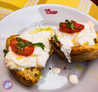 Burrata e Pane Sampled During the BiteMojo Food Tour (©simon@myeclecticimages.com)