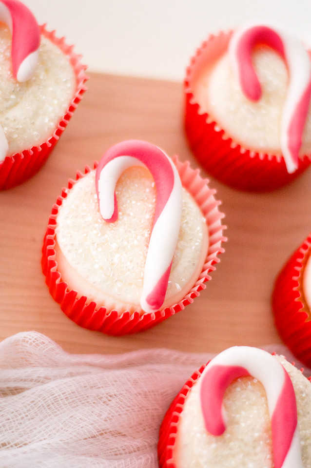 These Candy Cane Cupcakes are so easy to bake and decorate, and are just so pretty! We use them for all holiday occasions and they're always a festive hit!