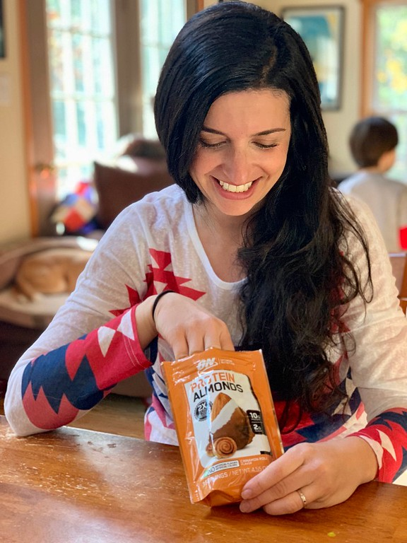 Ready to crush fitness goals this holiday season? The holidays can be challenging for fitness, but the this really helps! #ad #OptimumNutritionAtWalmart #IC