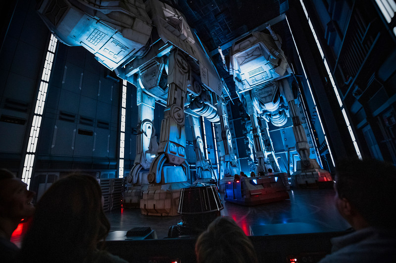 Flying X-wings soar over 'Rise of the Resistance' dedication ceremony at #StarWars #GalaxysEdge