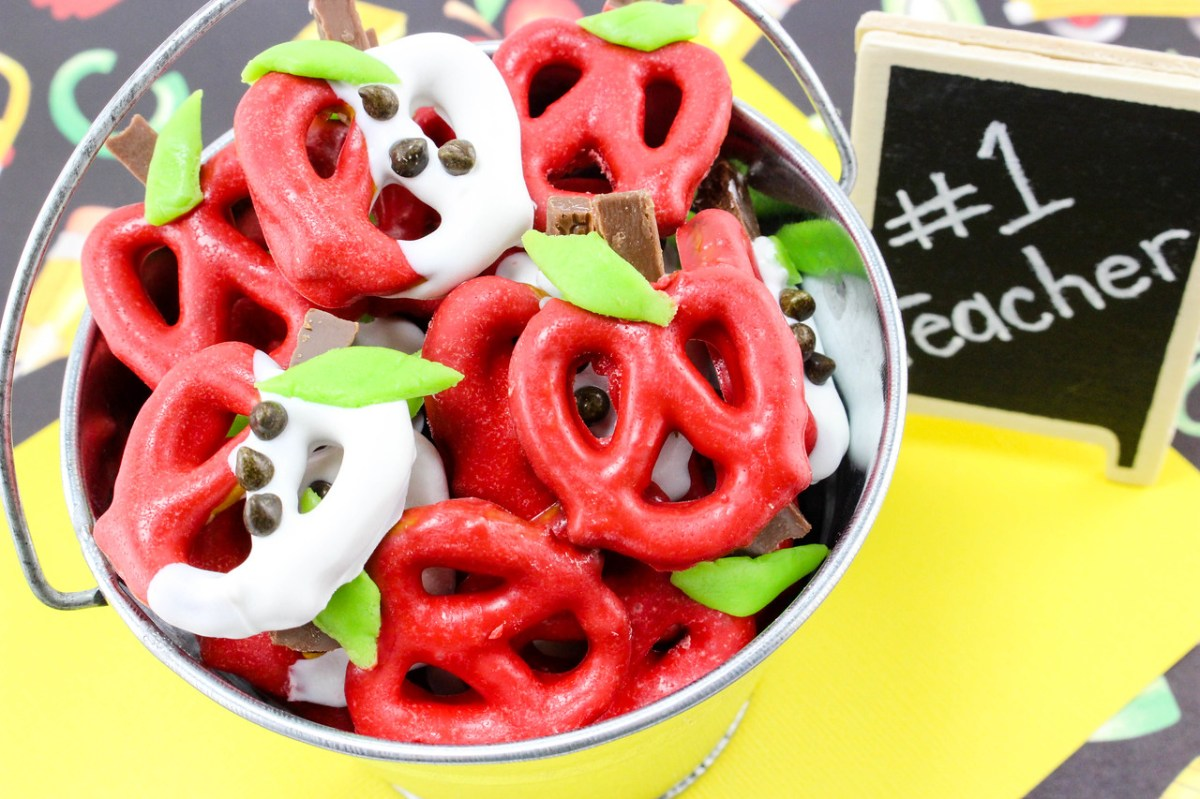 Chocolate Covered Apple Pretzels