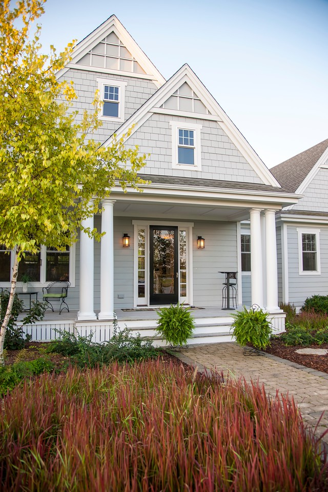 Are you working on your dream home? Find out why James Hardie is THE place for exterior siding and trim products. Request a sample! #ad #jameshardieinspired