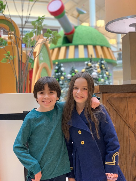 #ad Have you attended HGTV's Santa HQ event yet? This revolutionizes the traditional Santa Claus visit with an immersive and interactive experience #SantaHQ