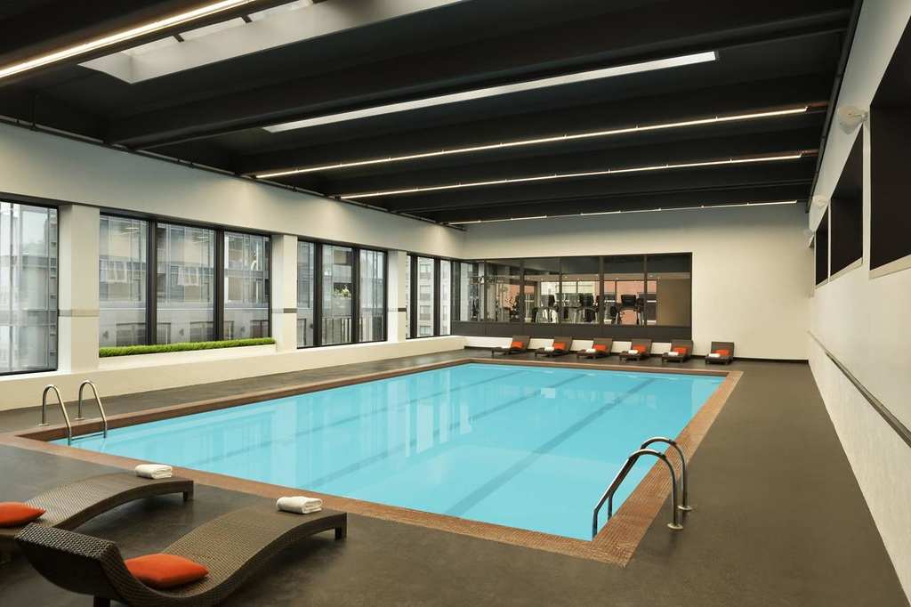 Quebec City Hotels with a Pool: Hotel Pur