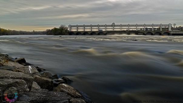 Station Hydro Électrique, rivière des prairies — Nikon D810 ISO 64 f/22 30 secondes d'exposition