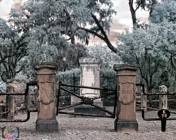 Tempus Aura Studio - Eugenie Robitaille - Steve Troletti Photography: INFRARED - INFRAROUGE &emdash; Bonaventure Cemetery - Savannah Georgia