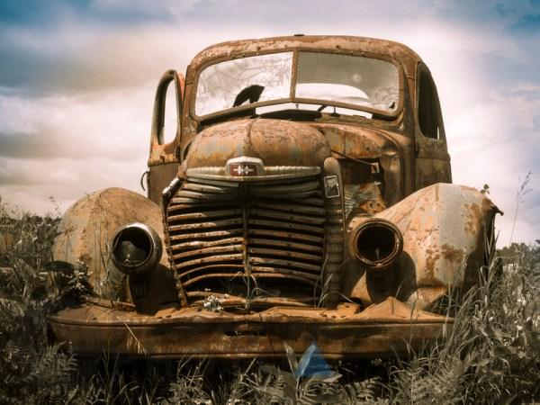 Tempus Aura Studio - Eugenie Robitaille - Steve Troletti Photography: ARTS-photos &emdash; Wrecked old cars