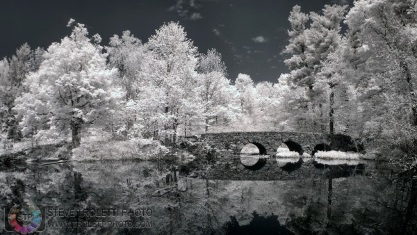 Steve Troletti Editorial, Nature and Wildlife Photographer: INFRARED - INFRAROUGE &emdash; Ponceau à arches (circles) - IR - Arch bridge 2