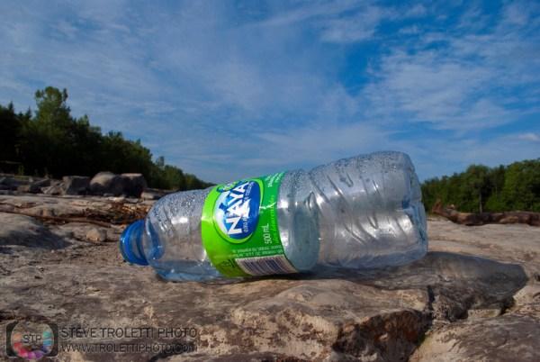 Steve Troletti Editorial, Nature and Wildlife Photographer: Litter in Montreal Nature Parks / déchets dans les parcs nature de Montréal &emdash; Déchets - Parc Nature Île-de-la-Visitation Nature Park - Litter