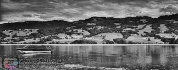Steve Troletti Editorial, Nature and Wildlife Photographer: PICTURE OF THE DAY / PHOTO DU JOUR &emdash; Fin de la journée sur le lac de Gruyère