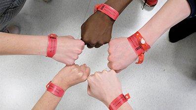 les bracelets rouges tf1