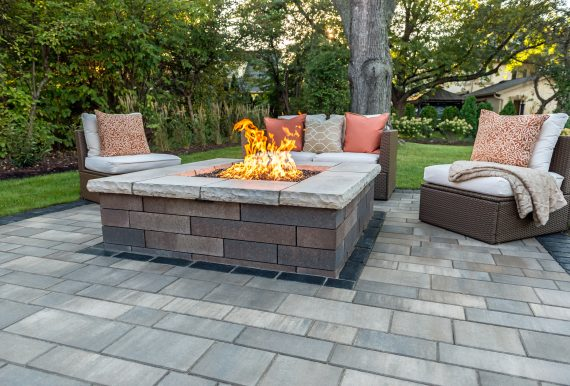 Artline Patio with a Lineo Wall FirePit - Photos on Unilock Patio Ideas id=70798
