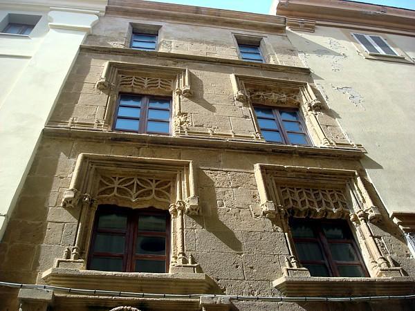 Machin Palace or Casa Doria - Алгеро