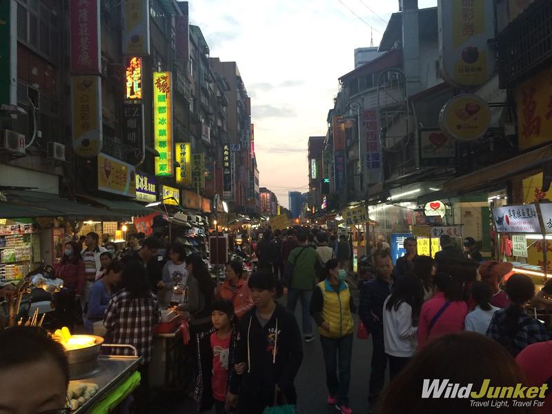 things to do in taipei taiwan - Bengka Night Market