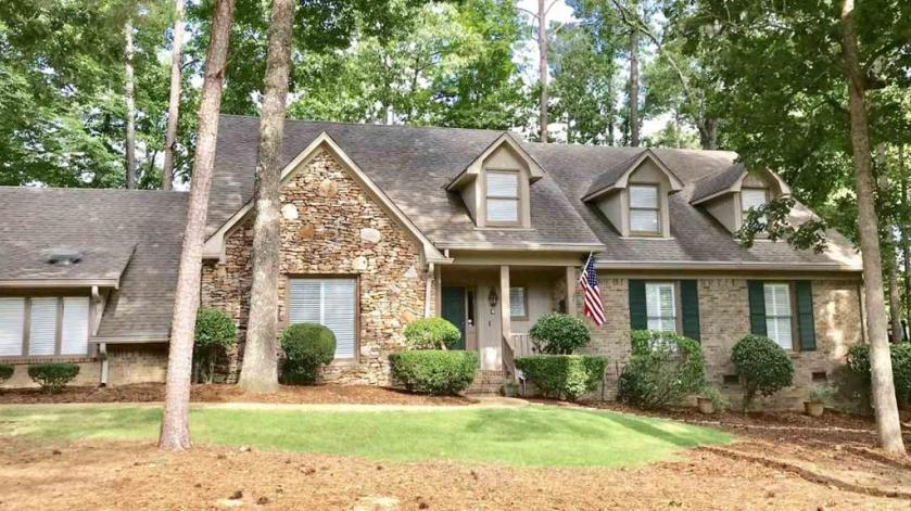 Property for sale at 1207 Country Club Cir, Hoover,  Alabama 35244