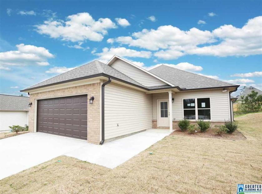 Property for sale at 162 Shiloh Creek Dr, Calera,  Alabama 35040