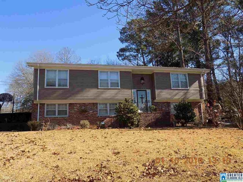 Property for sale at 2463 Rocky Ridge Rd, Vestavia Hills,  Alabama 35216