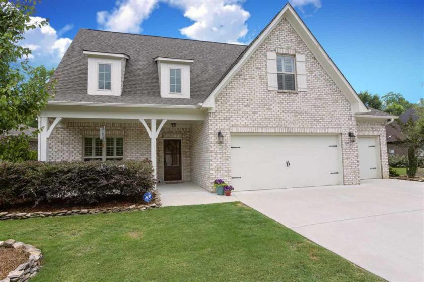 Property for sale at 441 Ballantrae Rd, Pelham,  Alabama 35124